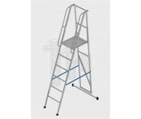 Лестница-платформа фиксированной высоты алюминиевая с траверсой